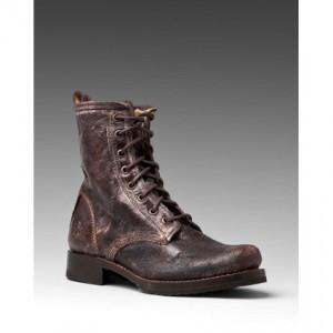 Boots 300x300 Ello There!