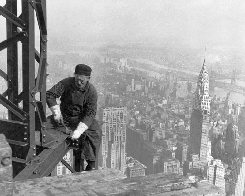 Structural worker on the Empire State Building 1930 Just to freak you out..