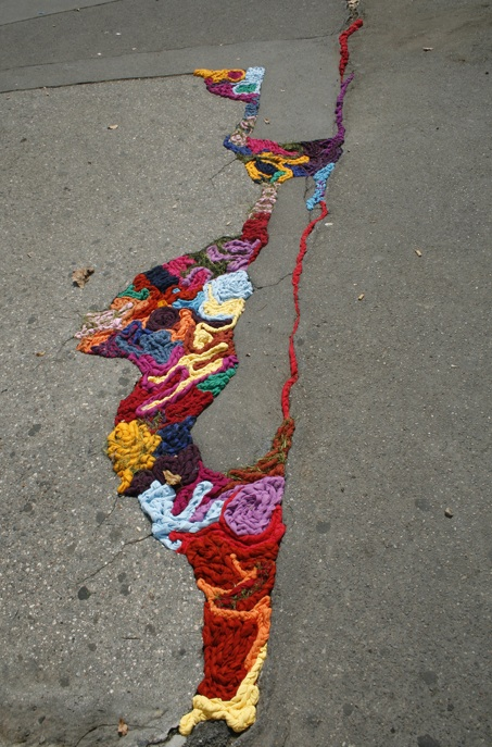 yarn bomb 11 Yarn Bombs and Guerilla Knits